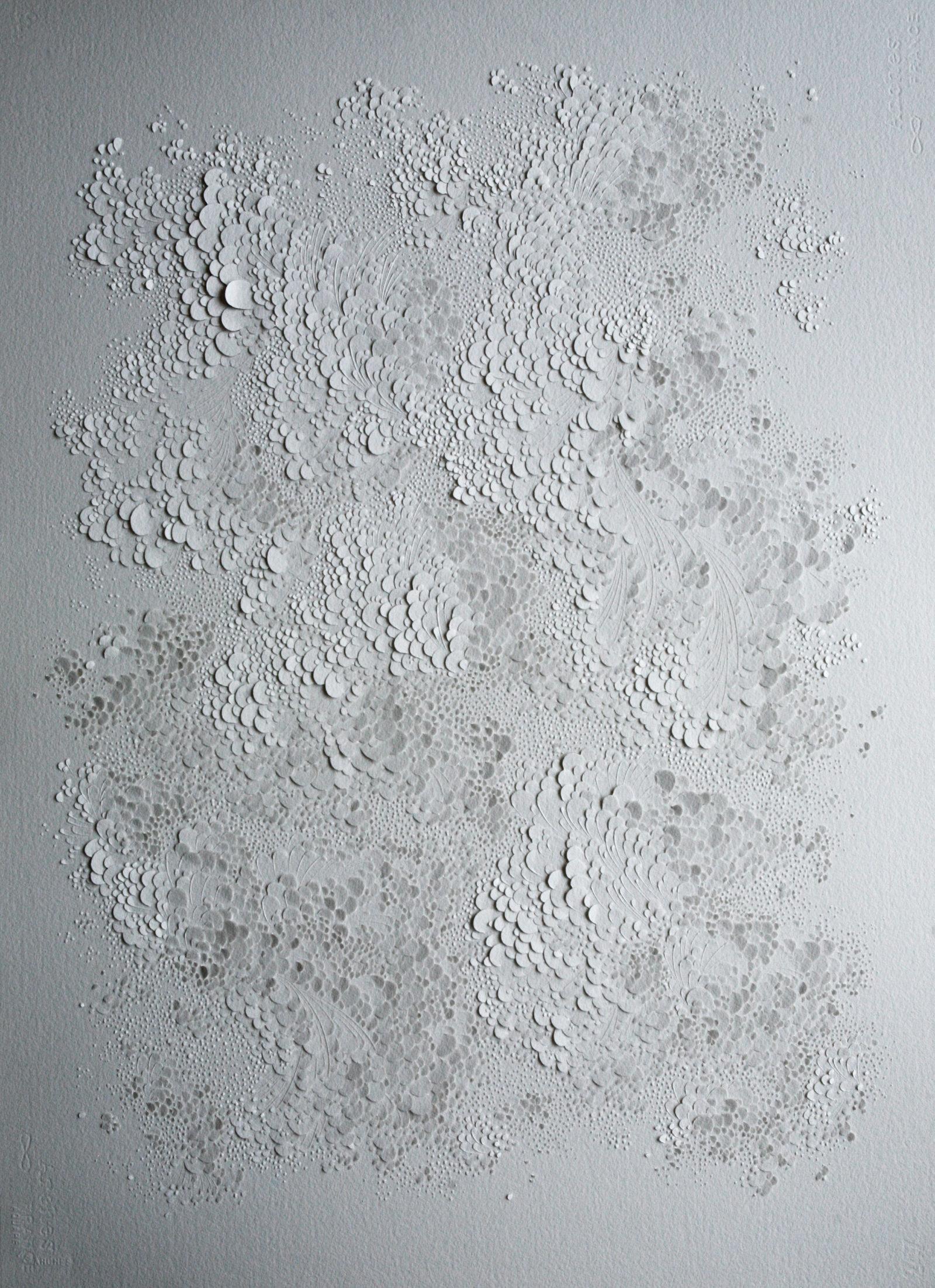 Lauren Collin, Sans titre, Bas relief sculpté sur papier aquarelle